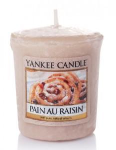 Yankee Candle Votivní svíčka Rozinkový šnek 49g
